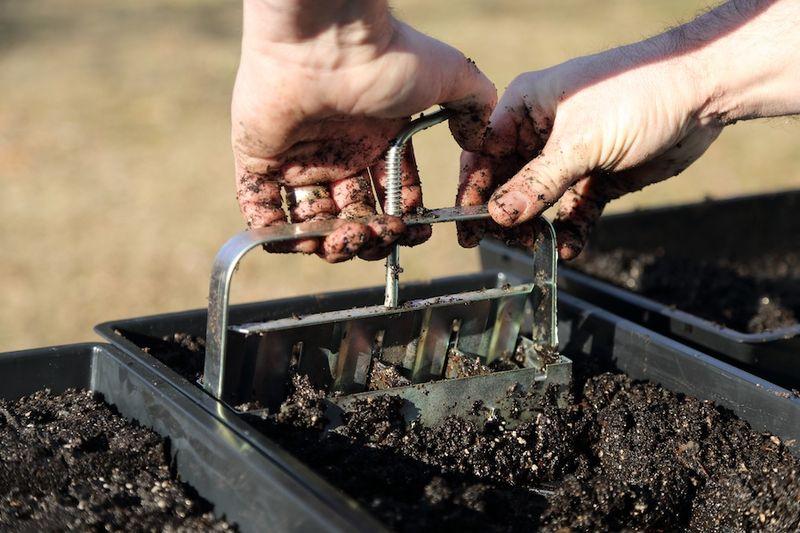 Soil blocker3