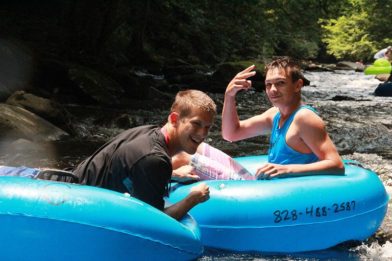 Tubing-at-Deep-Creek-with-Whisper-Mountain-Camp